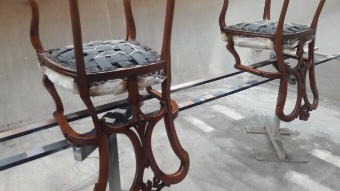 Кресла на реставрации